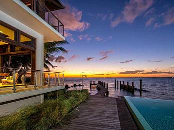 7 harbor point. Homes for sale in Key Biscayne