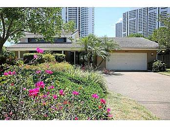 207 holiday drive. Homes for sale in Hallandale Beach