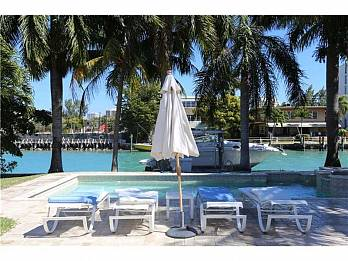 9921 e broadview. Homes for sale in Bal Harbour
