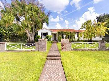 575 hibiscus ln. Homes for sale in Miami