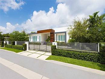 1251 98th st. Homes for sale in Bal Harbour