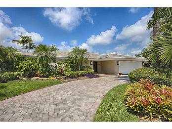 524 palm drive. Homes for sale in Hallandale Beach