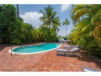 3172 n bay rd. Homes for sale in Miami Beach