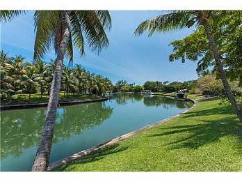 650 lake rd. Homes for sale in Miami