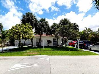 1112 ne 3rd st. Homes for sale in Hallandale Beach