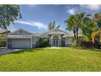 533 holiday dr. Homes for sale in Hallandale Beach