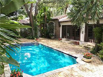 4665 n bay rd. Homes for sale in Miami Beach