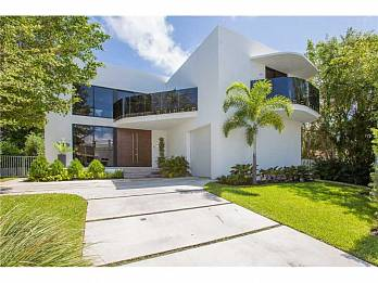 2125 n bay rd. Homes for sale in Miami Beach