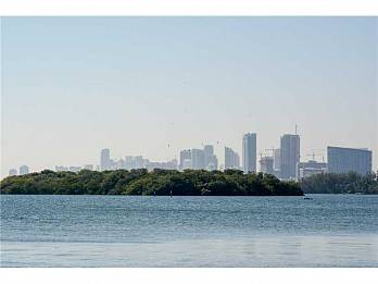 7301 belle meade island d. Homes for sale in Miami