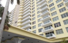 5600 Collins. Condominiums for sale in Miami Beach