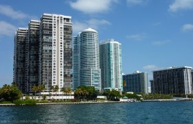 Brickell Bay Club. Condominiums for sale in Brickell