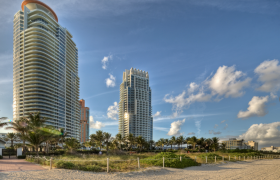 Continuum South Tower. Condominiums for sale in South Beach