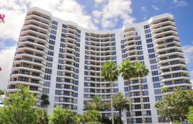 Mystic Pointe. Condominiums for sale in Aventura